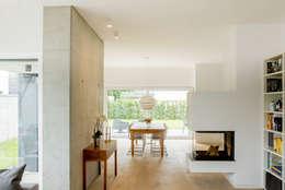 moderne Eetkamer door Ferreira | Verfürth Architekten