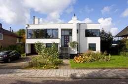 Maisons de style de style Moderne par Verhoeven Architectuur & Interieur