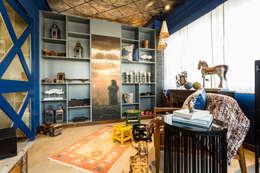 Salones de estilo rústico de Turiya Lifestyle LLP