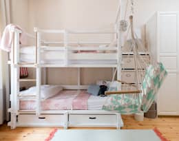 scandinavian Nursery/kid's room by CARLO Berlin - Architektur & Interior Design