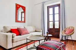 Salas / recibidores de estilo mediterraneo por StudioBMK