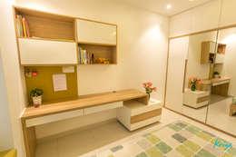 3 BHK apartment - RMZ Galleria, Bengaluru: modern Study/office by KRIYA LIVING