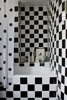 Douche Black & White: classic Bathroom by Artisan Partenaire