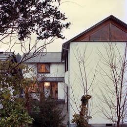 東 外観: 竹内建築設計事務所が手掛けた家です。