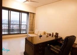 Pebble Bay: classic Study/office by KRIYA LIVING