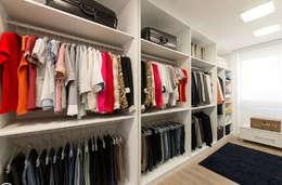 جگہ بچانے کا بہترين حل: asian Dressing room by lancerisb
