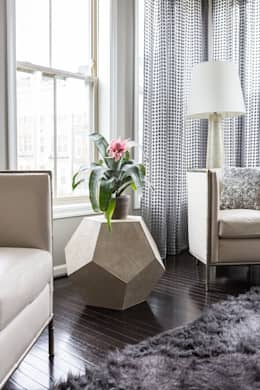 Viva Vogue - Detail: modern Living room by Lorna Gross Interior Design