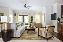 Riverside Retreat - Family Room: classic Living room by Lorna Gross Interior Design