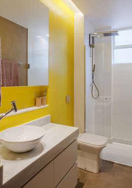 BANHEIRO: Banheiros modernos por Botti Arquitetura e Interiores-Natália Botelho e Paola Corteletti