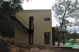 Casas de estilo moderno por IngeniARQ