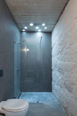 a*l - alexandre loureiro arquitectos: minimal tarz tarz Banyo