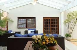 Garajes y galpones de estilo  por Studio 262 - arquitetura interiores paisagismo