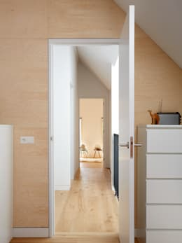 Wenslauer House: modern Bedroom by 31/44 Architects