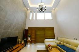 modern Living room by 코원하우스