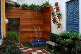 Jardines de estilo ecléctico de Adriana Baccari Projetos de Interiores