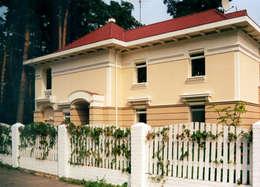 Фасад дома в стиле русского модерна: Дома в . Автор – Станислав Старых