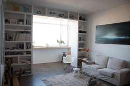 Salas de estilo minimalista por Polistudio A.E.S.