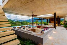 Salón: Salas de estilo moderno por Arquitectura en Estudio