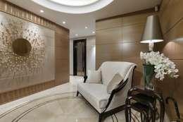 Salas / recibidores de estilo moderno por Студия дизайна интерьера в Москве 'Юдин и Новиков'