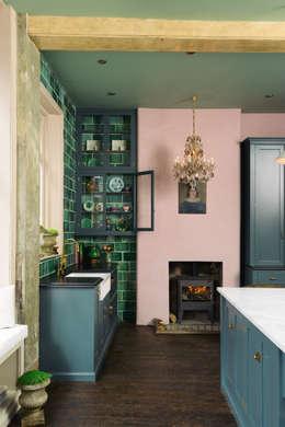 classic Kitchen تنفيذ deVOL Kitchens