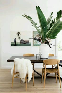 scandinavian Dining room by Amélia Barbieri Interior Design