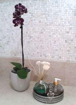 Baños de estilo moderno por Atelier Plural
