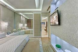 Casa Indaiatuba: Quartos  por Designer de Interiores e Paisagista Iara Kílaris