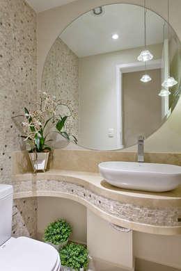 modern Bathroom by Designer de Interiores e Paisagista Iara Kílaris