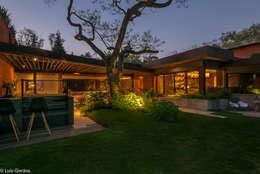 CASA PA: Jardines de estilo moderno por HDA: ARQUITECTURA BIOCLIMATICA