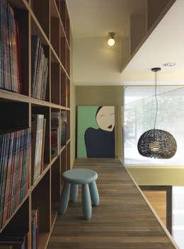 小小的森屋:  嬰兒/兒童房 by 賀澤室內設計 HOZO_interior_design