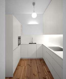 مطبخ تنفيذ Tiago Filipe Santos - Arquitetura