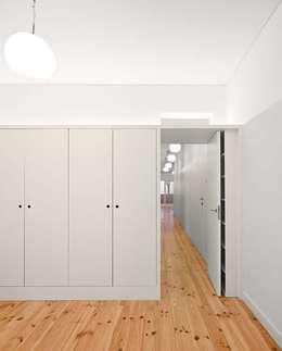 غرفة نوم تنفيذ Tiago Filipe Santos - Arquitetura