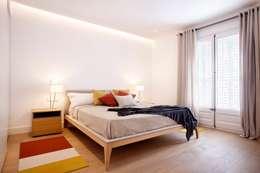 Camera da letto in stile in stile Moderno di 02_BASSO Arquitectos
