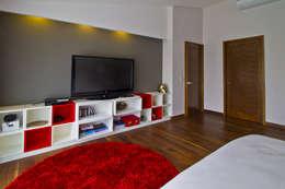 Dormitorios de estilo  por DIN Interiorismo