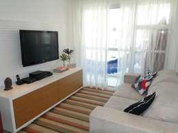Sala de Estar do Apartamento Mariz e Barros: Salas de estar modernas por Priscila Boldrini Design e Arquitetura