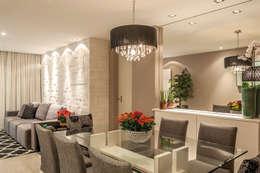 Apartamento Jardim Oceânico: Salas de jantar modernas por Priscila Boldrini Design e Arquitetura