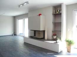 Bauhaus P3: moderne Wohnzimmer von Carsten Krafft Die Architektur