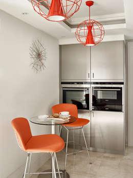 Kitchen: modern Kitchen by Morph Interior Ltd