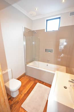 bathroom: eclectic Bathroom by Till Manecke:Architect