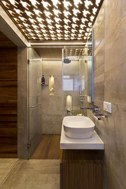 Bathroom: modern Bathroom by The design house
