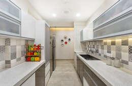 Kitchen: modern Kitchen by The design house