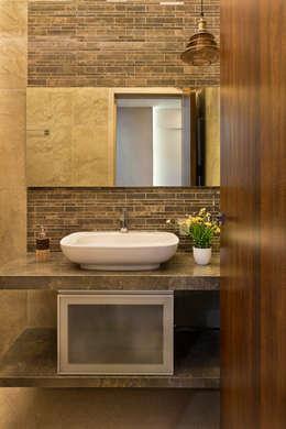 Washroom: modern Bathroom by The design house