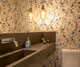 Ванные комнаты в . Автор – Quadrilha Design Arquitetura