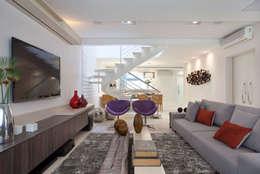 RESIDÊNCIA C ALCÂNTARA: Salas de estar modernas por Virna Carvalho Arquiteta
