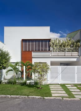 RESIDÊNCIA C ALCÂNTARA: Casas modernas por Virna Carvalho Arquiteta