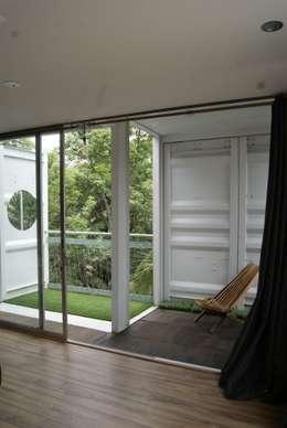Terrazas de estilo  por TARE arquitectos
