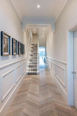 Projekty,  Korytarz, przedpokój i schody zaprojektowane przez Grand Design London Ltd