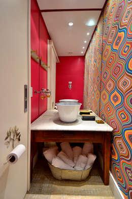 Baños de estilo  por Daisy Dias | Interiores Criativos