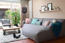 Atelier09: modern tarz Oturma Odası