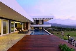 modern Houses by Studio K-7 Designs Pvt. Ltd